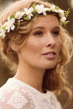 Bridal flower crown with bohemian styling by MANOUSCHE wedding