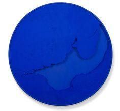 """Cercle bleu outremer"".  Manuel Mérida. Espace Meyer Zafra."