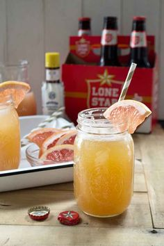 Texas Grapefruit Rattler | ingredents   ice bitters 1 chilled Lonestar 1/4 cup pink grapefruit juice grapefruit slices for garnish  Directions  1. Chill a pint glass or Mason jar. 2. To the glass, add the ice and a dash or two of bitters. Slowly pour the Lonestar and top with grapefruit juice. Garnish with grapefruit slices and serve immediately.