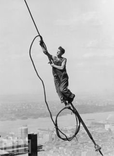 THE CONSTRUCTION OF THE EMPIRE STATE BUILDING - See this image on Photobucket.