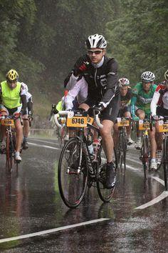 Riders on the storm, ou l'étape du Tour Pau - Hautacam : http://lepoc.blogspot.fr/2014/07/riders-on-storm-ou-letape-du-tour-pau.html