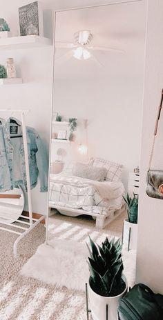 Cute Room Decor, Teen Room Decor, Room Ideas Bedroom, Bedroom Decor, Bedroom Inspo, Bedroom Inspiration, Ikea Bedroom, Bedroom Furniture, White Bedroom