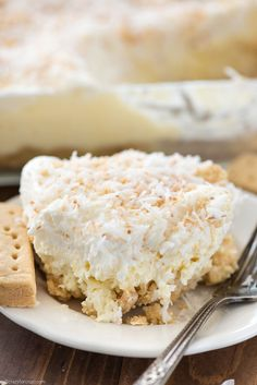 Coconut Cheesecake No Bake Dessert - this no bake coconut lush recipe is perfect for a party! Coconut cheesecake on top of a shortbread crust - heavenly! Cheesecake Recipe Uk, Coconut Cheesecake, Gluten Free Cheesecake, Easy Baking Recipes, Kitchen Recipes, Cooking Recipes, Nutrition Education, No Bake Desserts, Dessert Recipes