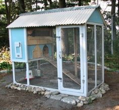 Chicken Coops That You Can Do It Youself Pictures Of Chicken Coops, Small Chicken Coops, Chicken Coup, Chicken Coop Plans, Building A Chicken Coop, Diy Chicken Coop, Chicken Feeders, Chicken Tractors, Backyard Coop