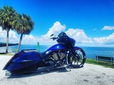Victory Motorcycles, Indian Motorcycles, Cool Motorcycles, Victory Cross Country, Bagger Motorcycle, Custom Baggers, Big Wheel, Road King, Choppers