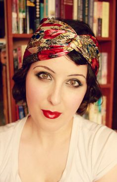 How to: Authentic 1920's Flapper Makeup | www.eccentricowl.com  How To 1