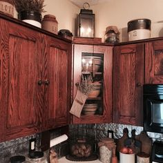 Pam's home photo 2015 Prim Decor, Country Decor, Farmhouse Decor, Country Farm, Primitive Decor, Top Of Cabinets, Above Kitchen Cabinets, Cupboards, Country Kitchens