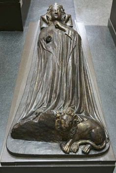 Queen Eleanor of Castile About 1858 Plaster cast Width 77 cm x length 213.5 cm 1858-277 Copyright Victoria and Albert Museum