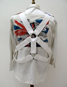 Parachute shirt designed by Vivienne Westwood & Malcolm McLaren, circa 1978 Property of PunkPistol Vivienne Westwood, Custom Clothes, Diy Clothes, Calvin Klien, Punk Outfits, Recycled Fashion, Punk Goth, Fashion Essentials, British Style