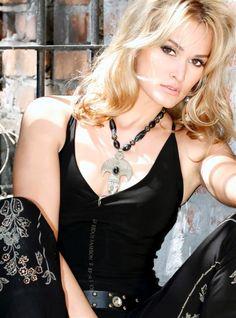 Miss Polski 2005 - Renata Nowak #misspolski2005 #misspolski #winner #najpiekniejszapolka #themostbeautifulgirl