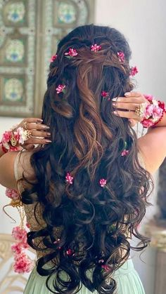 Tips For Changing Your Hairstyle – Hair Wonders Bridal Hairstyle Indian Wedding, Bridal Hair Buns, Hairdo Wedding, Wedding Hairstyles For Long Hair, Bridal Hairdo, Indian Hairstyles, Bride Hairstyles, Messy Hairstyles, Trending Hairstyles