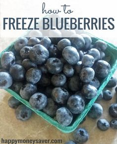 How to Freeze Blueberries - best way to preserve flavor for smoothies -Happymoneysaver.com