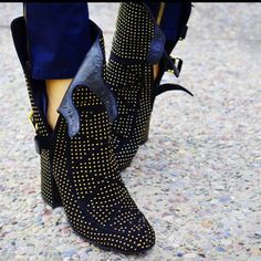 . w ow very cool boots - laurence dacade
