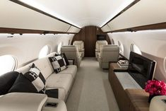 Are you interested in chartering a private jet? Over the past few years, the popularity of private jet charters has increased. Jets Privés De Luxe, Luxury Jets, Luxury Private Jets, Private Plane, Private Jet Interior, Best Interior, Home Interior Design, Gulfstream G650, Aircraft Interiors