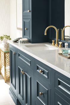Does your bathroom need a refresh? Give your bathroom a makeover with our inspirational design ideas. 1920s Bathroom, Bathroom Vanity Designs, Bathroom Ideas, Bathrooms, Homecrest Cabinets, Building A Kitchen, Bathroom Cabinetry, Built In Storage, Painting Cabinets