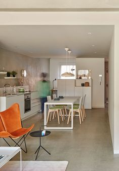 CASA FLEXIBLE: La usabilidad del interior de las viviendas siempre ha sido un tema de preocupación para el estudio de arquitectura interior que dirigen Elina Vilá y Agnès Blanch (vilablanch ). En 2014, comisariar una exposición sobre un proyecto inédito …