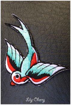Patch écusson brodé thermocollant hirondelle birds swallow x1 : Déco, Customisation Textile par lilycherry