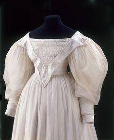 1830 muslin Dress | V&A Museum | T.51-1934
