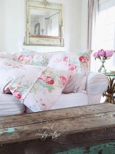 Friday Favorites a beautiful charming floral duvet - FRENCH COUNTRY COTTAGE