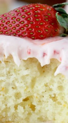 This easy to make strawberry cream puff cake with a tender cream