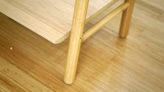 Aparador de bamboo macizo, 4 estantes, laqueado semimate.