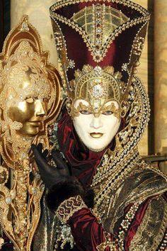 Carnaval of Venice Mardi Gras Carnival, Venetian Carnival Masks, Carnival Of Venice, Venetian Masquerade, Masquerade Ball, Masquerade Attire, Venetian Costumes, Venice Carnivale, Clowns