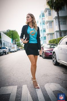 #NFLFanStyle #contest #NFLVirtualVoxBox Who says you can't dress up your Miami Dolphins gear? A pair of nude strappy sandals instantly takes the look from casual to evening- ready. (via Majestic)