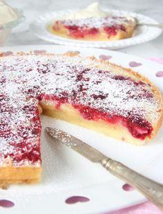 Hallonkladdkaka – Lindas Bakskola Baking Recipes, Cake Recipes, Dessert Recipes, Fun Desserts, Delicious Desserts, Swedish Recipes, Little Cakes, Coffee Cake, No Bake Cake