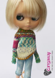 What an amazing dolly sweater by cangaway!