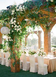 Gorgeous outdoor wedding reception