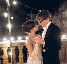 Happy Beginning. Stephen Hawking (Eddie Redmayne) und seine Jane (Felicity Jones). Foto:Universal