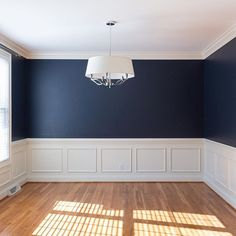 The Paddington Project dining room has gone from gold and plum to gorgeous navy Dining Room Storage, Dining Room Walls, Dining Room Design, Interior Design Living Room, Navy And White Living Room, Navy Living Rooms, Room Wall Colors, Living Room Colors, Staging Furniture