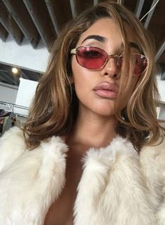 New post on marybriana Chantal Jeffries, Cute Makeup, Hair Makeup, Pretty Babe, Makeup Rooms, Cute Beauty, Hair Inspo, Hair Looks, Pretty People