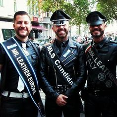 At Folsom Europe Streetfair with Arnaud, Míster Leather Europe 2014 and Marco, Míster Leather Italy 2015. #mrleatherspain