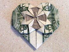 Dollar Geldschein zu einem Herzen mit Münze