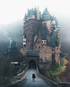 The medieval Eltz Castle in Wierschem is the - reisen bilder - Urlaub Places Around The World, Oh The Places You'll Go, Places To Travel, Places To Visit, Car Places, Beautiful Castles, Beautiful Places, Beautiful Hotels, Beautiful Sky