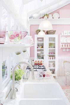adorable pink kitchen