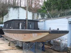 Wooden Boat Plans For Free Free Boat Plans, Wood Boat Plans, Boat Crafts, Water Crafts, Shallow Water Boats, Shanty Boat, Bay Boats, Model Boat Plans, Wooden Boat Building