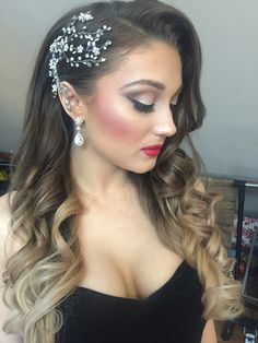 Headpiece one side back hairstyle pretty sleek hairstyle classic