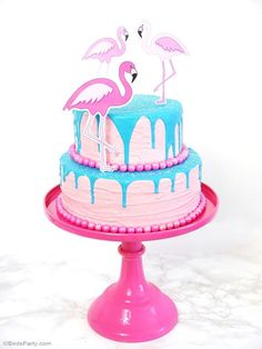 Flamingo pink & teal birthday party ideas with pool party DIY decorations, party printables, food and fun for kids! #flamingo #flamingobirthday #flamingoparty #poolparty #partyideas