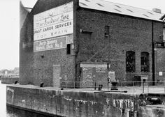 Liverpool Docks, Liverpool History, Mount Pleasant, Old Photos, Lantern, 1980s, Queens, Photo Wall, Old Things