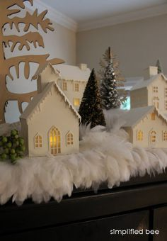 christmas decorating with feathers // Simplified Bee