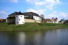 Středověká tvrz Žumberk - historie českého venkova i svatební obřady