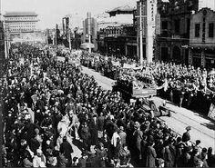 El ejercito popular de liberacion entra en pekin el 22 de enero en 1949                 Jessica Alarcon