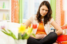 6 cách chữa đau bụng 'ngày đèn đỏ'   Nguyên nhân đau bụng kinh là do tử cung căng phồng niêm mạc tử cung dày lên chèn ép gây đau.Cơ tử cung phải co lại đểđẩy máu ra ngoài làm chất prostaglandin tiết ra cũng dẫn đến cơn đau bụng.  Tùy theo thể trạng và cơ địa mà chị em sẽ trải qua kỳ đèn đỏ nhẹ nhàng hay dữ dội. Cơn đau dữ dội thường do vấn đề liên quan đến tử cung như tử cung co thắt quá mức vị trí tử cung không bình thường cấu tạo cổ tử cung quá hẹp khiến máu kinh khó thoát ra ngoài. Một số…