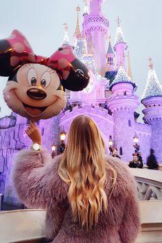 Disney Land, Paris: http://www.ohhcouture.com/2017/01/christmas-break-paris/   #ohhcouture #LeonieHanne