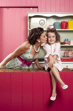 Mother-Daughter Photo Idea: Vintage Beauty Salon Love how the colours just pop!