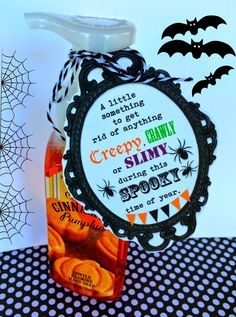 Halloween Soap with FREE printable tag Fall Teacher Gifts, Halloween Teacher Gifts, Teacher Treats, Halloween Tags, Halloween Season, Teacher Appreciation Gifts, Holidays Halloween, Halloween Treats For School, Soaps