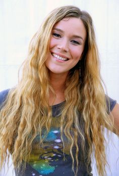 Joss Stone - so want to go to one of her concerts. G