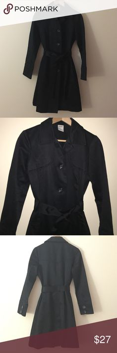 NWOT Old Navy S black trench knee length belted Trendy black trenchcoat made of 100% cotton in a size small from Old Navy. This trenchcoat features beautiful dealing in detailing including a notched collar button-down front shoulder panel detailing matching black belt at waist two front pockets and pleading back. Old Navy Jackets & Coats Trench Coats